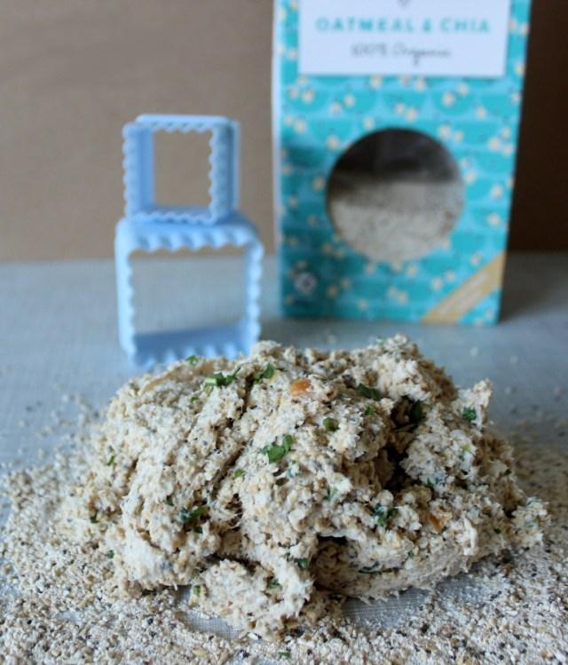 Teig aus Chiasamen und Mehl