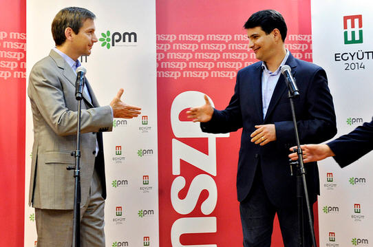 Gordon Bajnai and Attila Mesterházy at the press conference after the meeting of July 16 / Népszabadság, Photo Zsolt Reviczky
