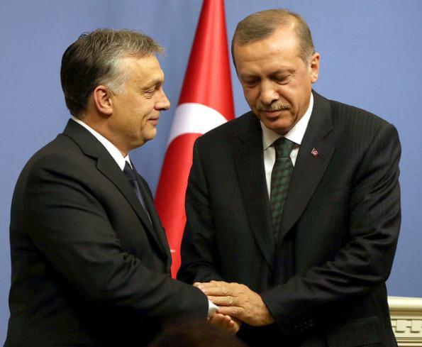 A telling picture. Viktor Orbán and Recep Tayyip Erdogan in Ankara. MTI/AP Burhan Ozbilici
