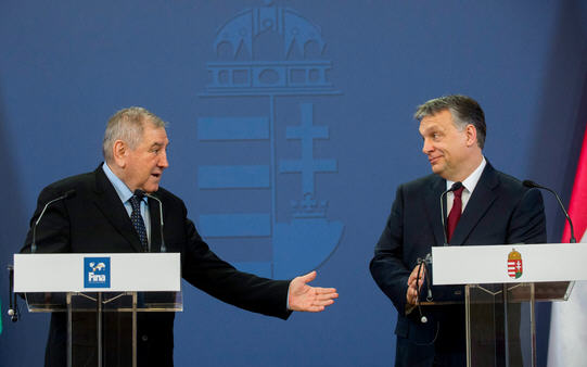 President Cornel Marculescu of FINA and Viktor Orbán, March 11, 2015