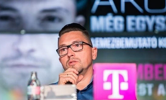 Ákos Kovács as spokesman of Magyar Telekom