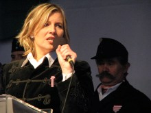 Krisztina Morvai speaks at Jobbik-sponsored anti-government demonstration (3/15/2009).