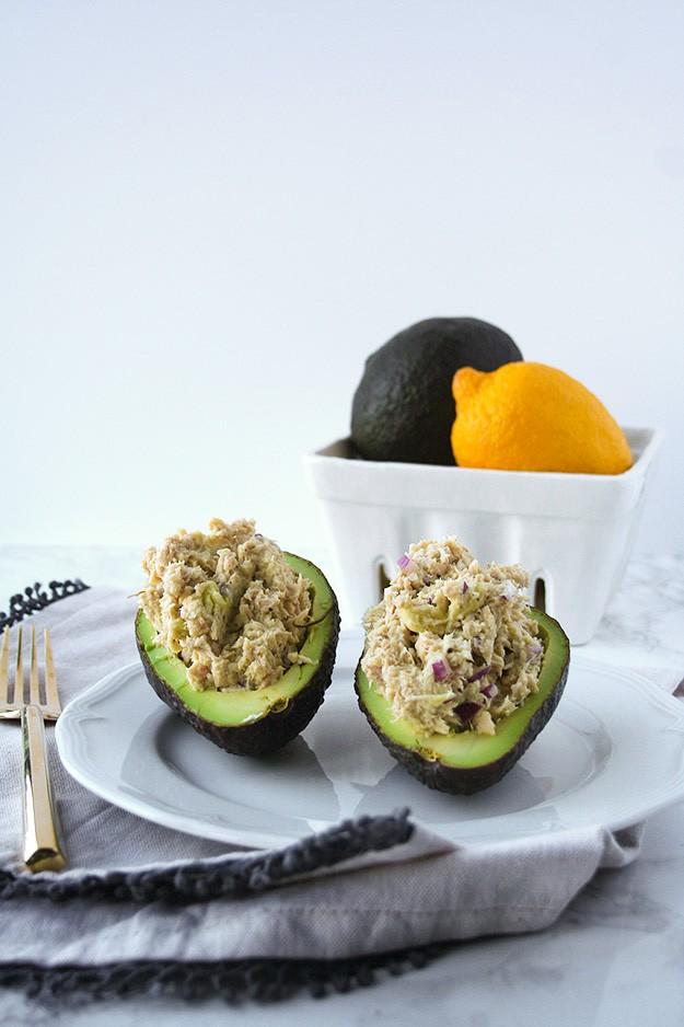 5 Ingredient Avocado Tuna Salad   hungrybynature.com