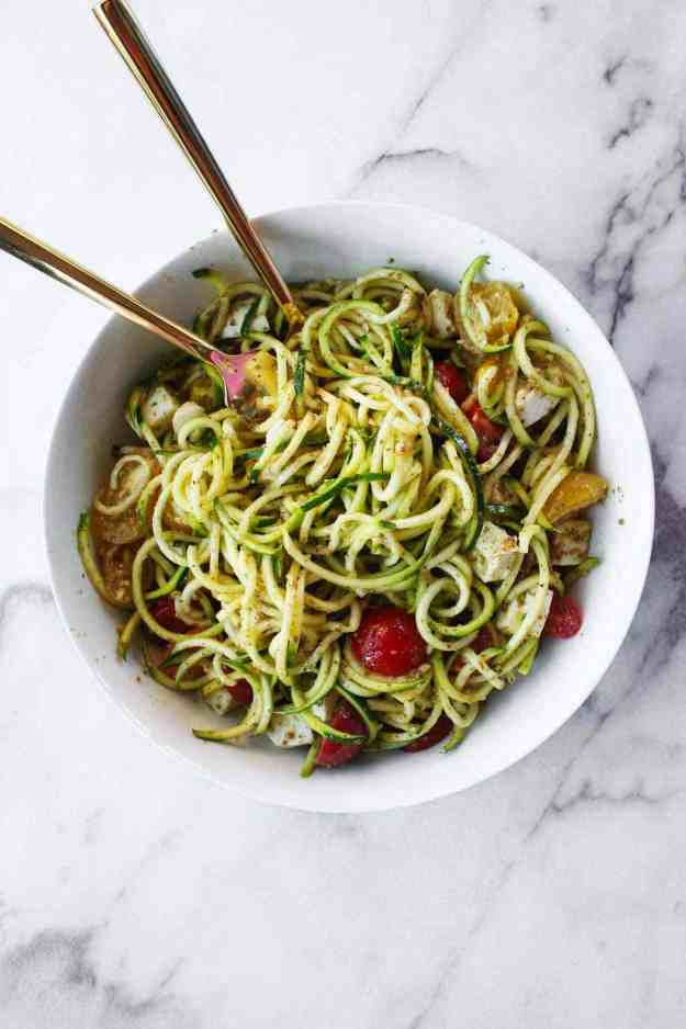 A big bowl of Caprese Zoodle Salad is perfect for your summer BBQ!   hungrybynature.com