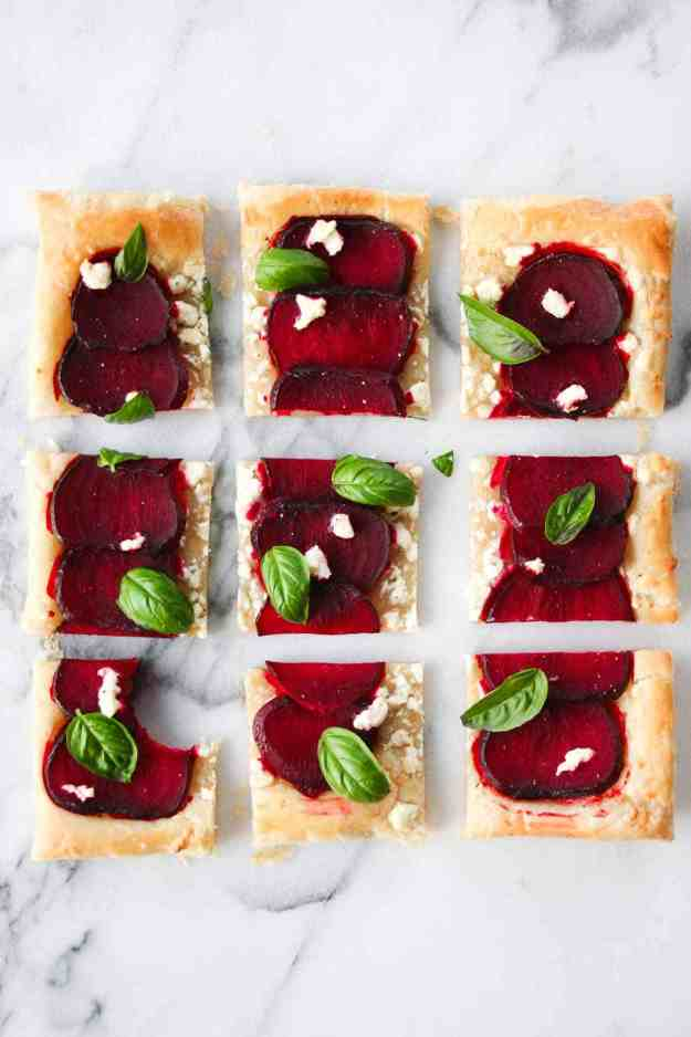 A simple and stunning 5-ingredient Beet and Goat Cheese Tart | hungrybynature.com