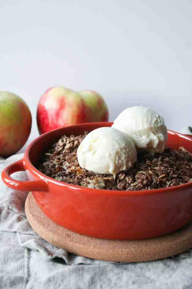Nothing beats ice cream melting on top of hot apple crisp for two (gluten free, vegan, refined sugar free)! | hungrybynature.com