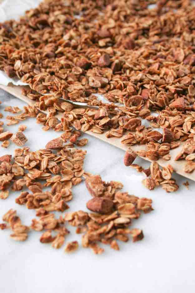 Oats, almonds, and lots of spices are the key ingredients to make this simple Chai Spiced Granola! | hungrybynature.com
