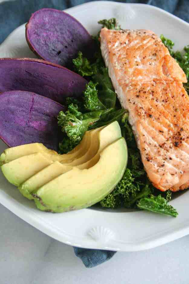 Simple Pan Seared Salmon Macro Bowls   recipe, easy, with skin, healthy, crispy, how to, kale, avocado, sweet potato   hungrybynature.com