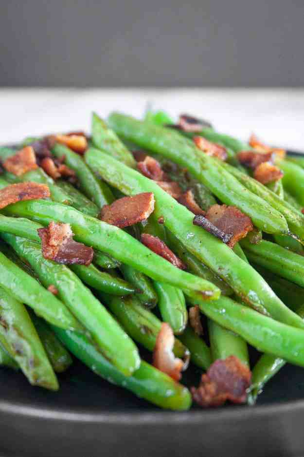 Bacon Blistered Green Beans | recipe, easy, paleo, whole30, gluten free, sauteed, fresh, healthy, skillet | hungrybynature.com