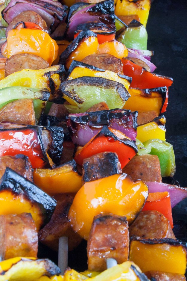 Bilinski's Chicken Sausage Skewers | grill, easy, healthy, organic, gluten free, paleo, marinade, lemon, barbecue, pineapple | hungrybynature.com