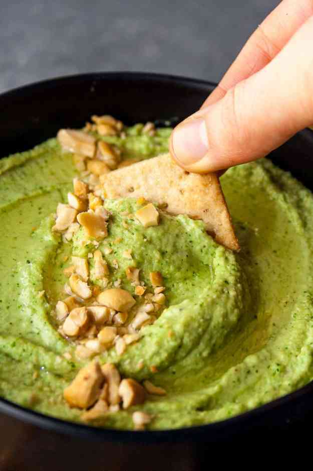 Cilanto Lime Cashew Hummus | #whole30 #paleo #cashew #appetizer #easy #snack | hungrybynature.com