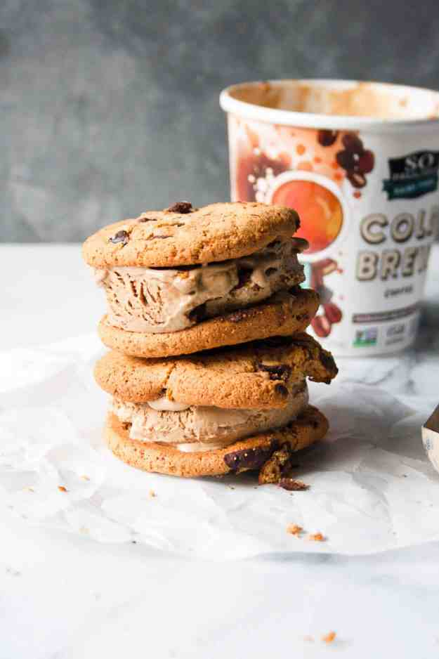 Frozen Cold Brew Cookie Sandwich | @sodelicious #ad #foodisart #sodeliciousdairyfree #5for5 #dairyfreedessert #vegan #dairyfreeicecream #icecreamsandwich | hungrybynature.com