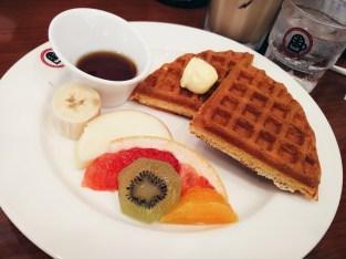 Waffle & Fruit Breakfast Set