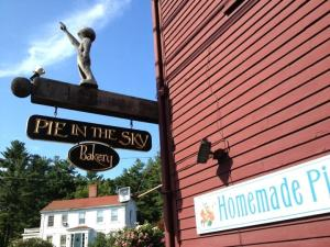 My visit to a beloved pie shack in Southern Maine.