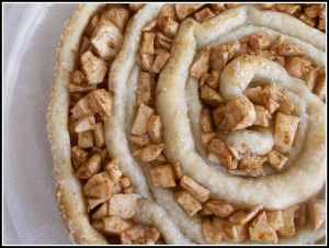 Enjoy this apple tart for dessert or for breakfast!