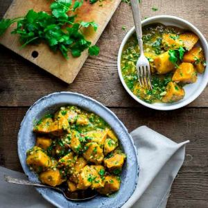 http://www.healthyseasonalrecipes.com/sweet-potatoes-with-coconut-curry-and-mint/