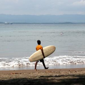 surfen batu karas indonesien java