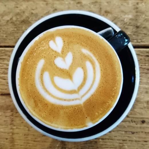 Tasse Kaffee mit Latte Art