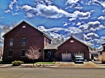 Notice the awesome car in fron of the garage