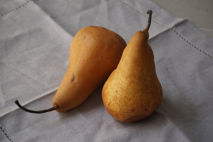 Lovely-overripe-pears