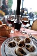 escargot-on-table