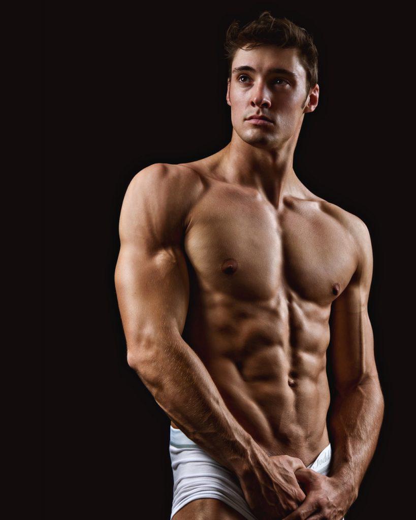 Muscled jock Matt Holdener