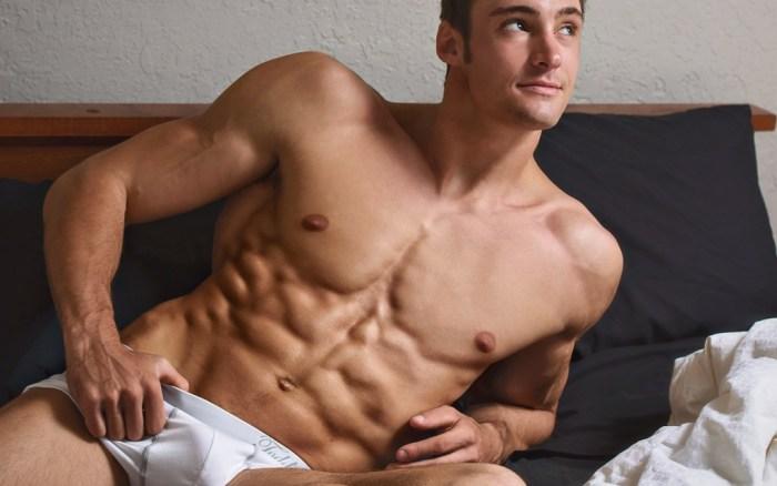 Matt Holdener undrwear bulge