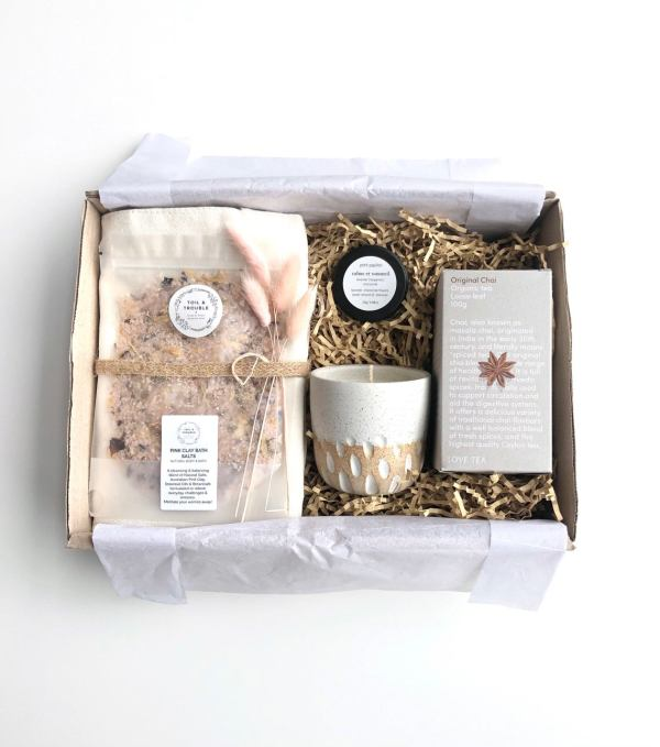 Chai Love Gift box set hunter and the fox