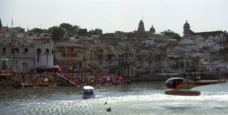 Bond at the Gangaur Ghat in Udaipur