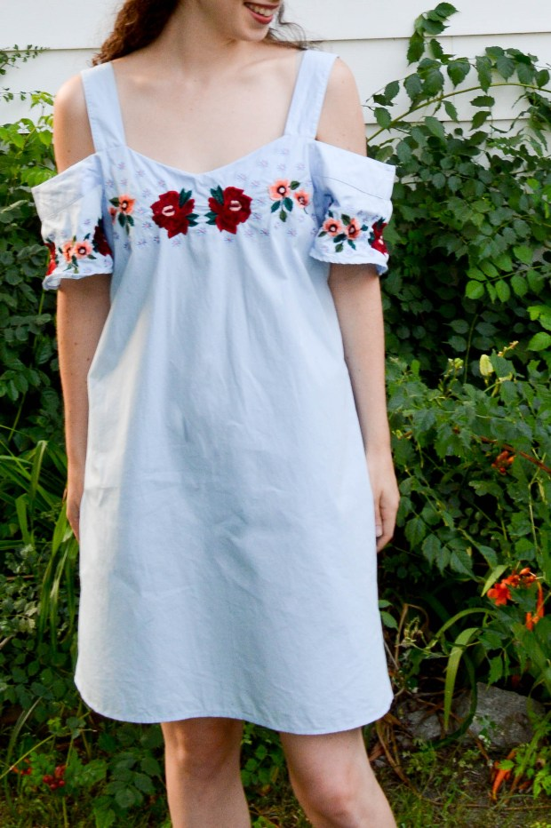 Cold shoulder embroidered dress | summer wedding outfit