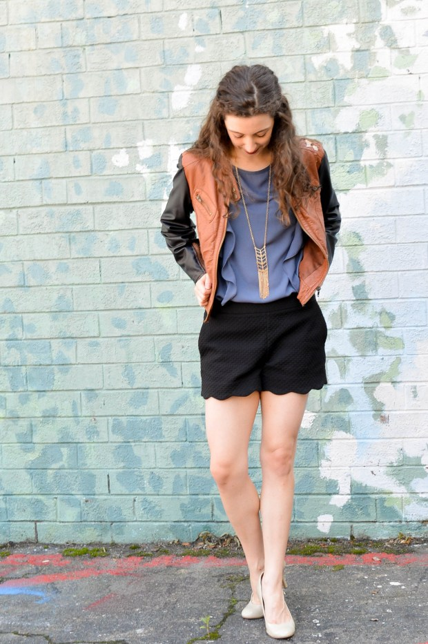 scalloped shorts + ruffle top + pleather jacket | easy fall outfit
