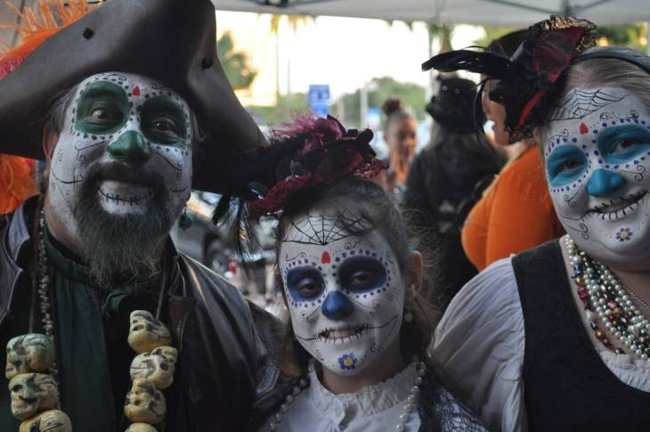 Florida Day of the Dead, November 2nd in Downtown Ft. Lauderdale - www.HuntingforRubies