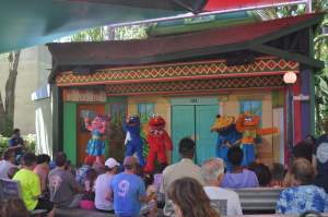 What to do in Tampa with Kids? See Elmo and friends at Busch Gardens..and much more. www.huntingforrubies.com