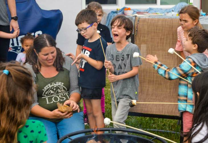 How to Have a Simple Happy Camper Backyard Birthday Party - HuntingforRubies.com