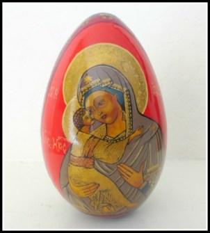 madonna-egg1