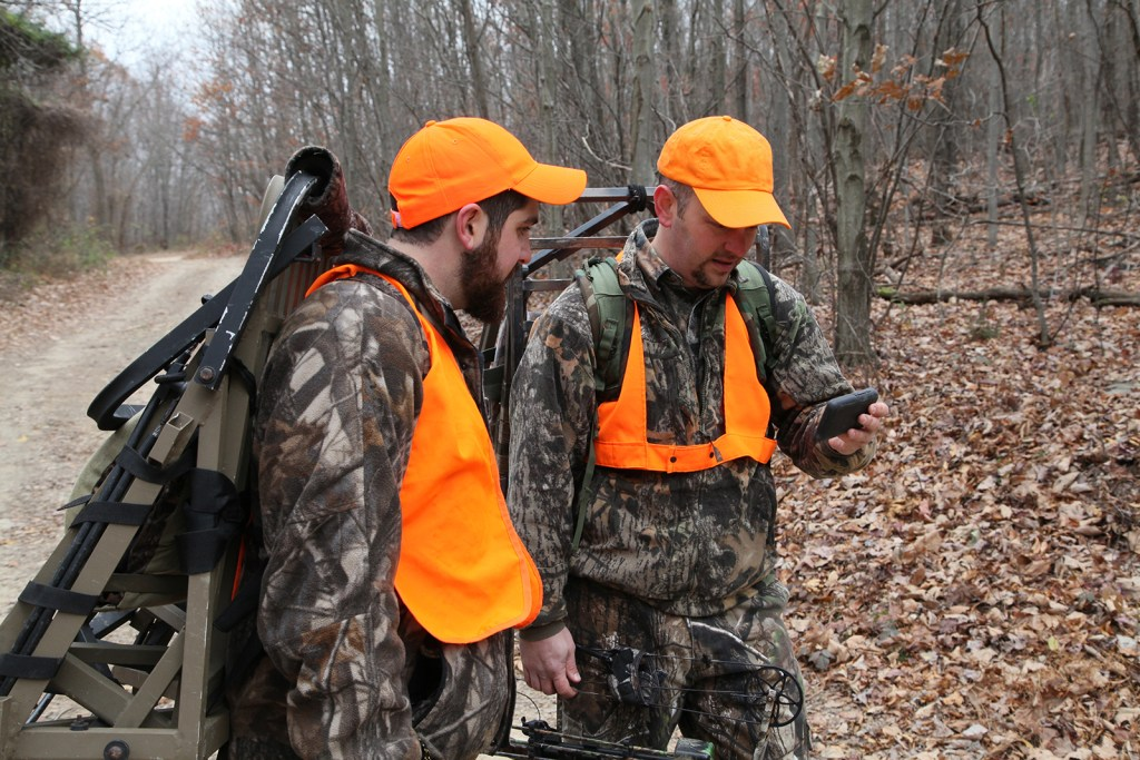 Hunters using app