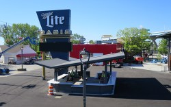 Hunzinger Celebrates Completion of Miller Lite Oasis Stage & Area Renovation at Summerfest's 50th Anniversary
