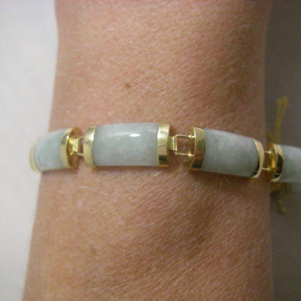 10k Yellow Gold and Light Green Jade Bracelet