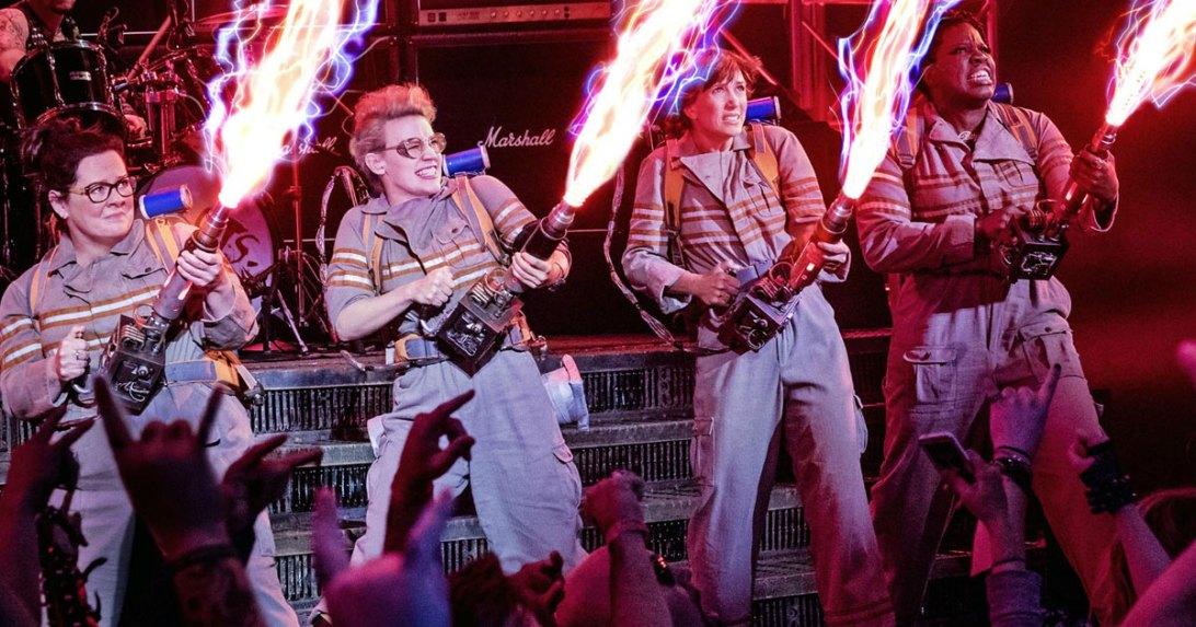 Arvostelussa Ghostbusters Kristen Wiig Melissa McCarthy proton pack