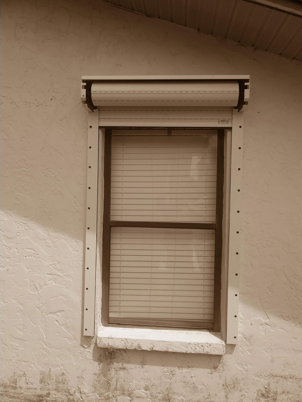 What To Look For In Hurricane Shutters Hurricaneguard