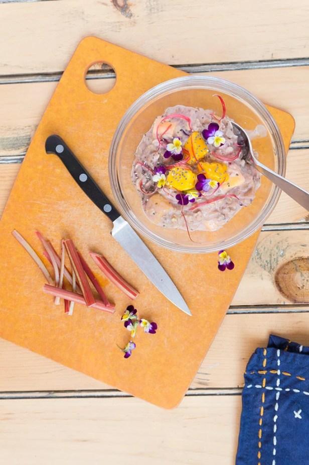 Rhubarb-Mango Oatmeal - 18 Vegetarian Breakfast Ideas | hurrythefoodup.com