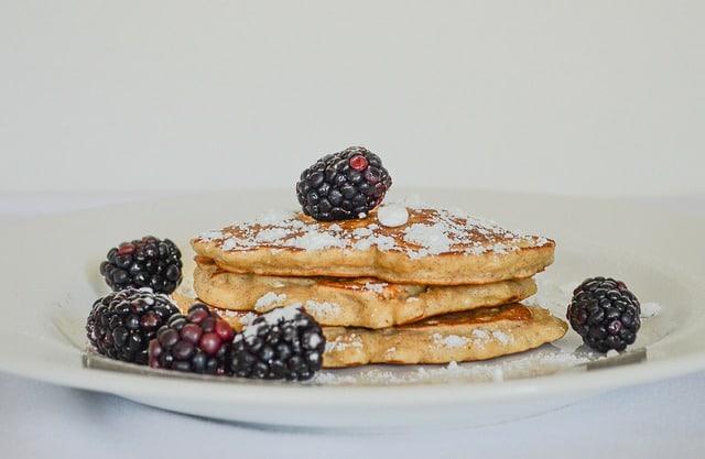 amerikanske pandekager med flormelis