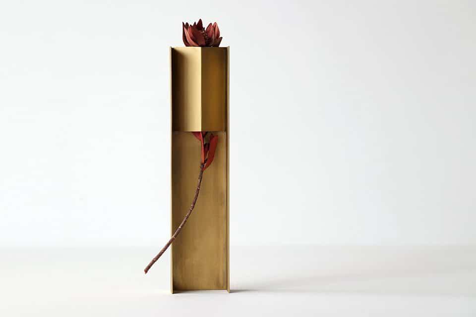Design, Studio Note, Wearing a Vase