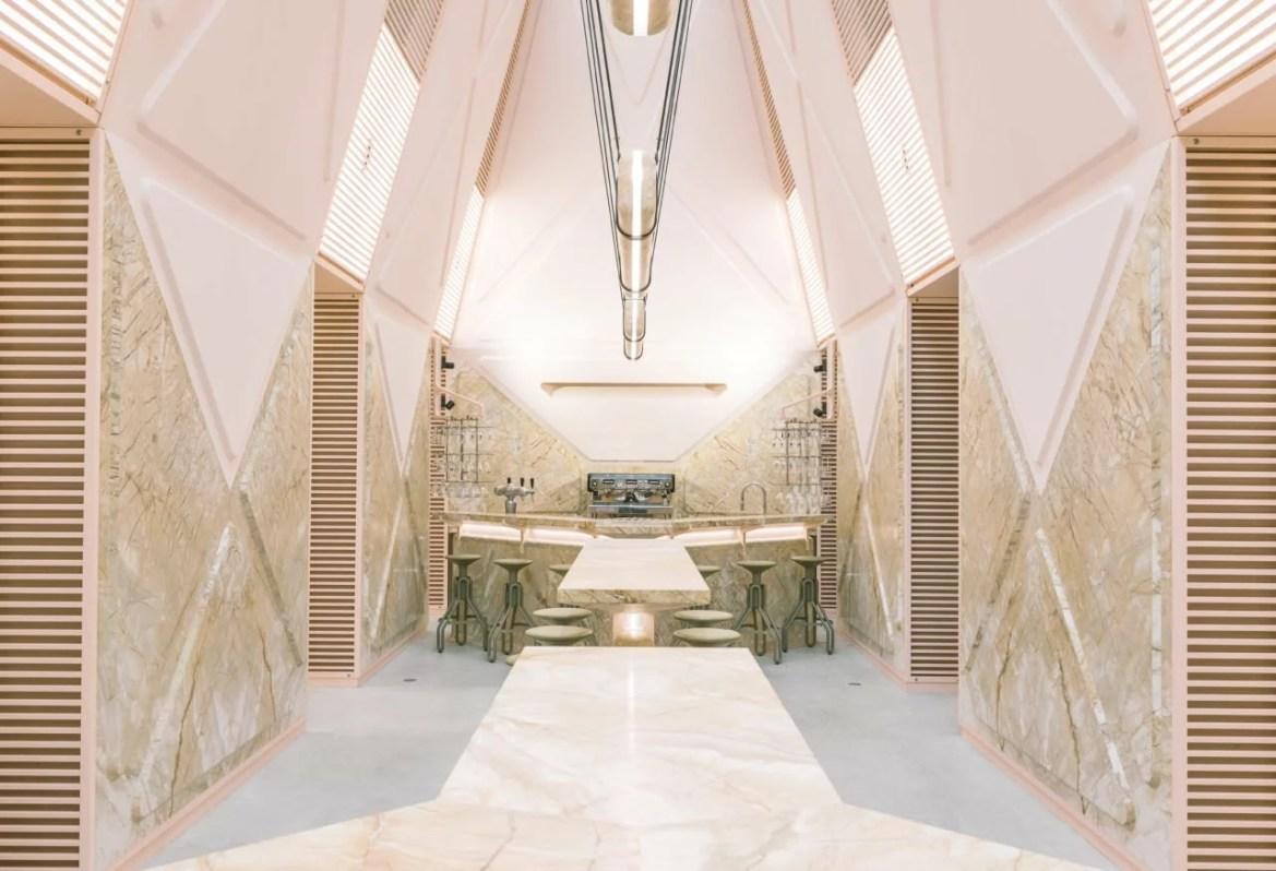 L'architecte Didier Faustino a créé un espace hors du commun et futuriste pour un espace public à Gand...