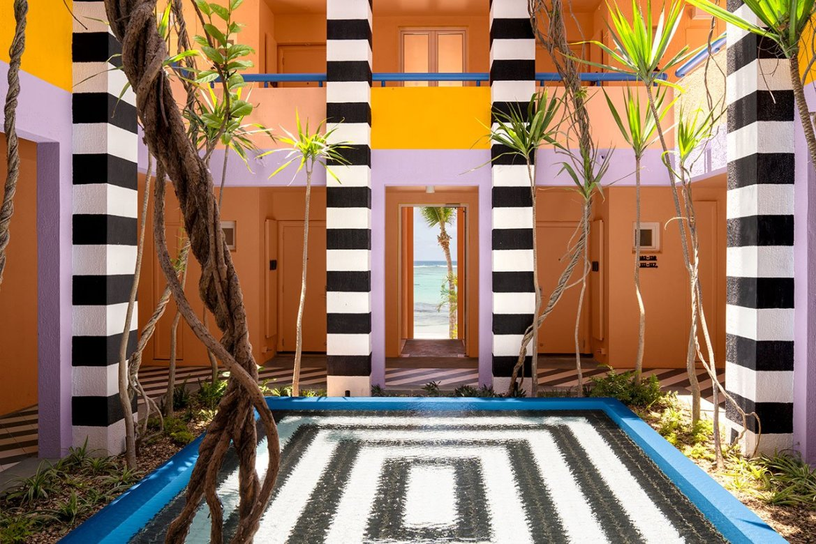 A Colorful 80 's style interior design hotel in Mauritus, y Camille Walala.