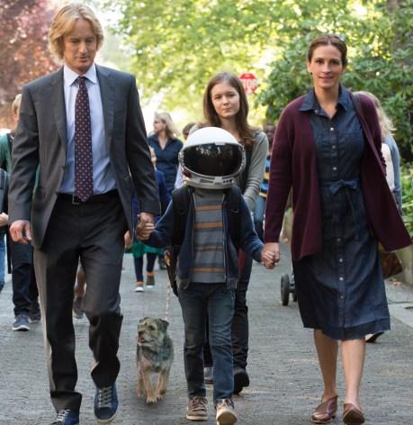Owen Wilson, Jacob Tremblay, Julia Roberts, and Izabela Vidivic star in WONDER