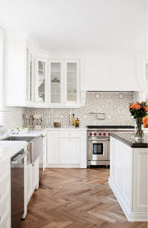 Vibrant Moroccan Kitchen Backsplash Ideas