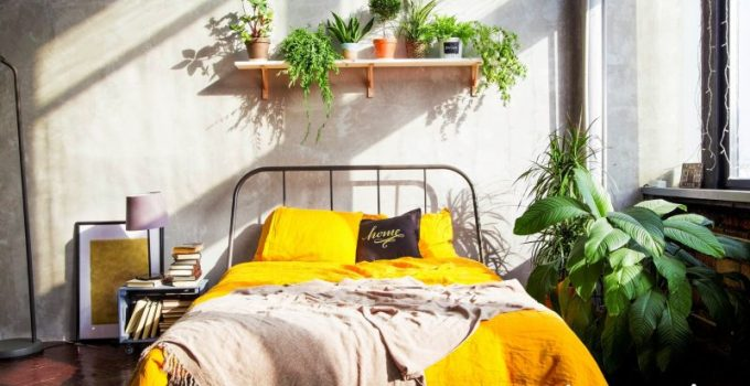 Industrial Bedroom with tropical Touch