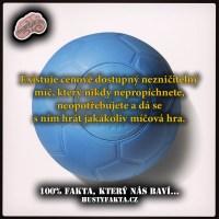 Nezničitelný míč