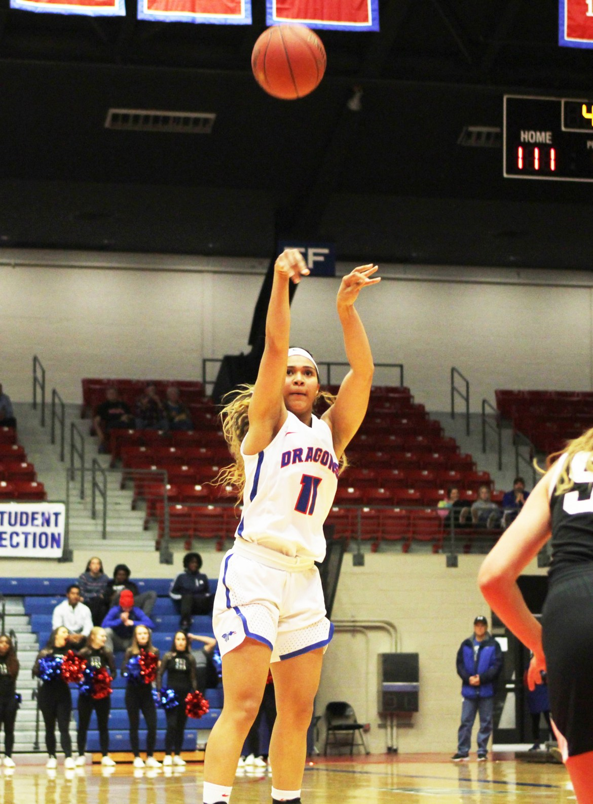 Roundup: Foul trouble doesn't stop Blue Dragon women from winning
